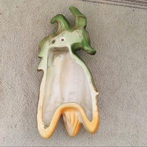 Vintage Accents - Vintage Decor wall hanging ceramic corn